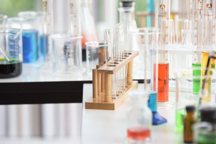 Laboratory Research Healthcare And Medicine Science Test Tube Chemistry Scientific Experiment Indoors  Education Selective Focus Medical Research Glass - Material No People Chemical Close-up Laboratory Equipment Container Bottle Transparent Laboratory Glassware Biotechnology Test Tube Rack Analyzing