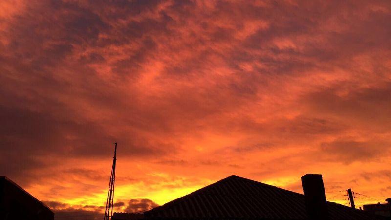 Céu colorido CaxiasDoSul Finados Meuniver