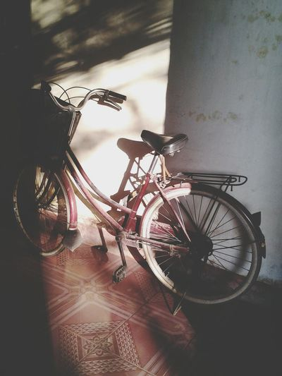 My Best Photo 2015 Taking Photos Bicycle Race Sunny Afternoon Great View The Street Photographer - 2015 EyeEm Awards Mymom<3 Mylife Enjoying Life Urban I am 13 it't not old enough to participate.My photo isn't beautiful than You think but for me,it's very beautiful.Photography is all my life I love like cause it ❤ Tks all have read my note ❤