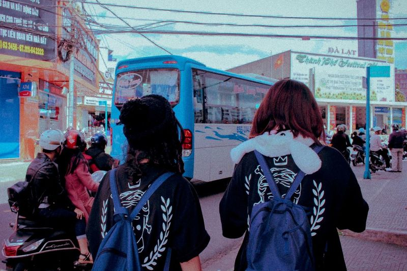 Friendship 11years Same  Couple Bff Dalat Real People Lifestyles Women Architecture People Leisure Activity Rear View City Day Street Adult Togetherness