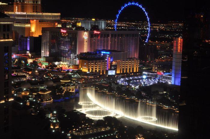 Las Vegas Night Scenics Water Show Showcase April