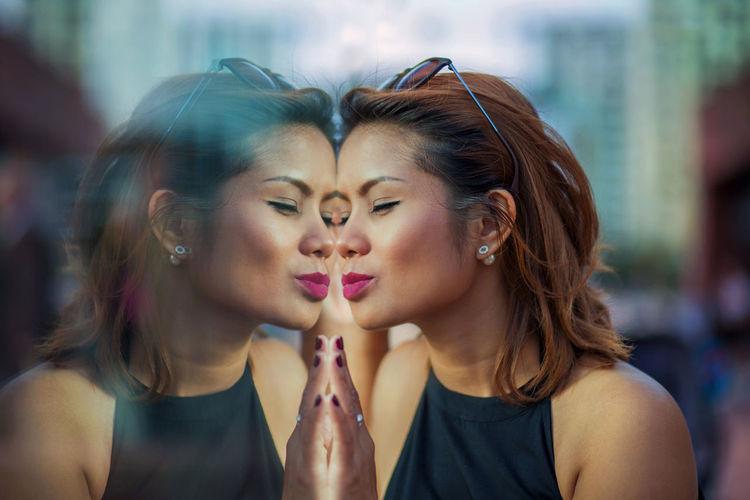 Beauty Fashion Headshot Kiss Kiss Kiss Kiss Me Lipstick Long Hair Make-up Medium-length Hair Portrait Portrait Of A Woman Reflaction Young Adult Young Women