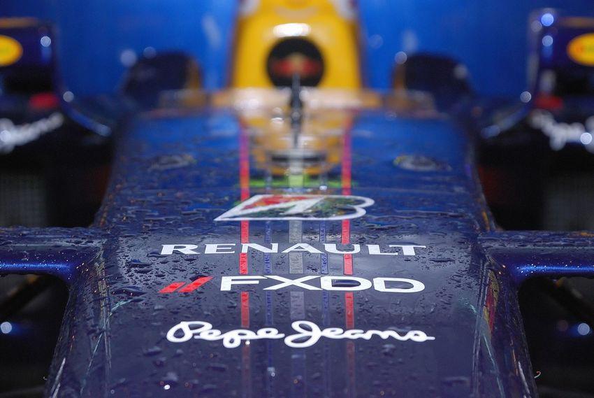 Renault Formula 1 Bolid No People Close-up Formula 1 Racing Car