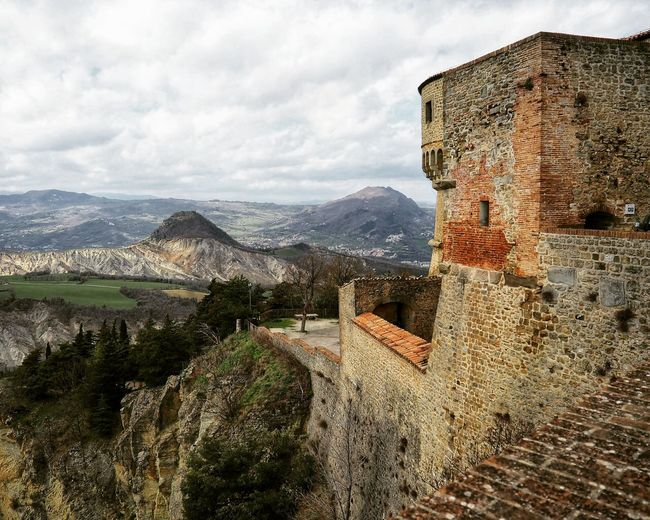 Rocca di San Leo Italy Emiliaromagna Italia Cagliostro Castle EyeEm Selects Mountain Sky Mountain Range Architecture Fortified Wall Fortress Medieval