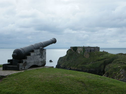 Cloud - Sky Day Grass History Nature No People Outdoors Pembrokeshire Pembrokeshire Coast Pembrokeshire Coastal Path Sky Tenby Tenby Museum Tenby Museum And Art Gallery War St Catherine's Fort St Catherine's Island Cannon