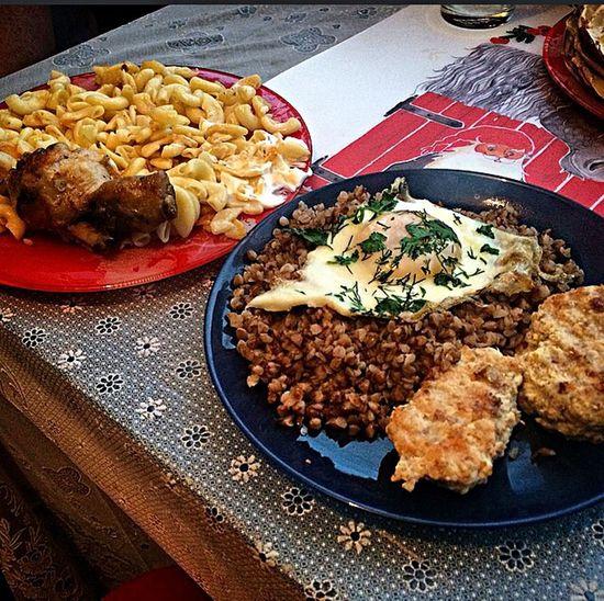 Иногда я веду себя правильно и кушаю не так как муж:)) Но это бывает крайне редко)))) Еда приятногоаппетита гречка Food Plate