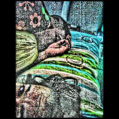 While u were sleeping... Mfarokomar My ♥My ★My ●my■my◆ xoxo....