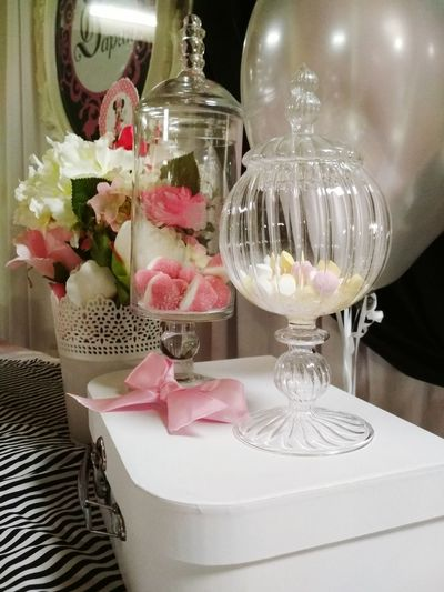 Dekoration Ornaments Wildflower Bonbons Bonbonniere Bonboyages Bonboniera Flauers Roze🌹 Indoors  Table Celebration Drinking Glass Food And Drink No People Drink Flower Wineglass Day Close-up Gift Fragility Freshness Champagne Food