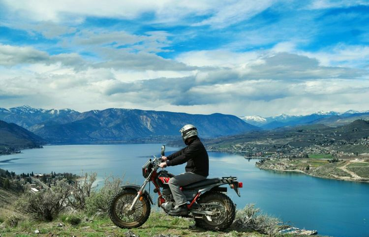 Lake Chelan, WA, USA. The Great Outdoors - 2016 EyeEm Awards On The Way Adrenaline Junkie Adventure Club Motorcycle Motorcycles Inspiring View Water_collection Adventuretime Adventures Yamaha Dirt Bike Bestplaceintheworld Adventure Edge Of The World RePicture Travel Tw200 Pacific Northwest  Dirtbike The Adventure Handbook Miles Away Second Acts Be. Ready.