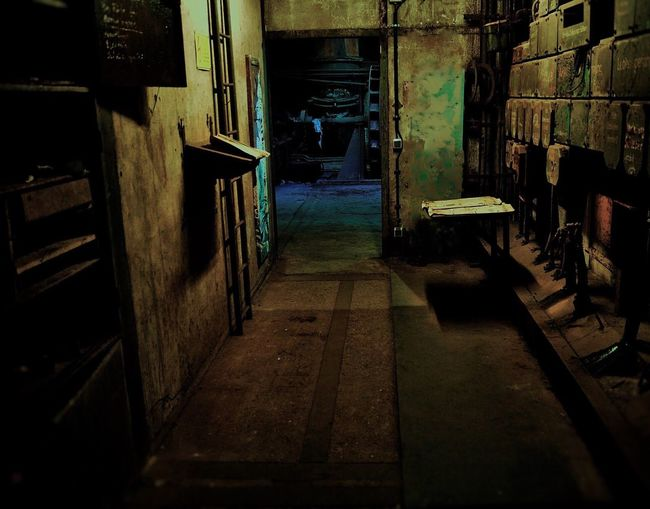 Kontrollzentrum Control Center Industrial Photography Darkness And Light darf place Industrial Area Industrie Monument Völklingen