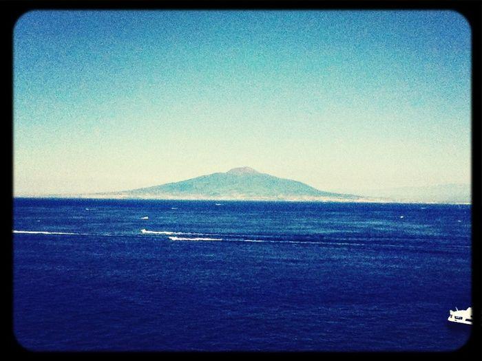 Vista des de Sorrento. Traveling Napoli ❤ Nice View Filosofía