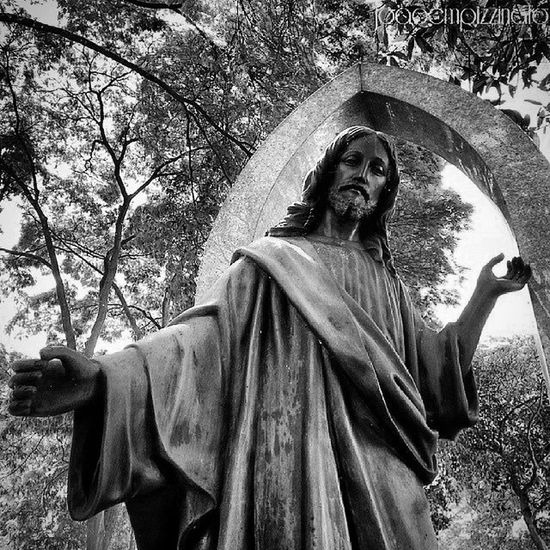 Christ Art Cemetery Urban Blackandwhite City Zonasul Saopaulo Brasil Photograph Ig_asylum Aj_graveyard Graveyard_dead Taphophiles_only Tv_churchandgraves Church_masters Masters_of_darkness Fa_sacral Tv_urbex Vivoartesacra Grave_gallery Kings_gothic Obscure_of_our_world Photography Talking_statues igw_gothika dark_captures the_great_gothic_world darkness dark_captures voodoo_society