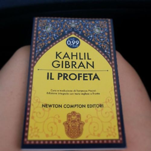 Felicità 99cent Awesome Autogrill inviaggio cominghome reading book love
