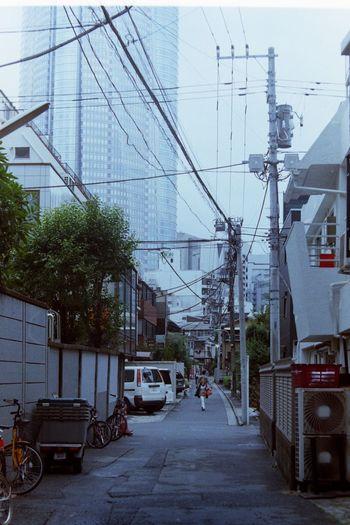 六本木ストリート。 Lomographyfilmiso100 50mm Summitar Leica3f Streetphotography
