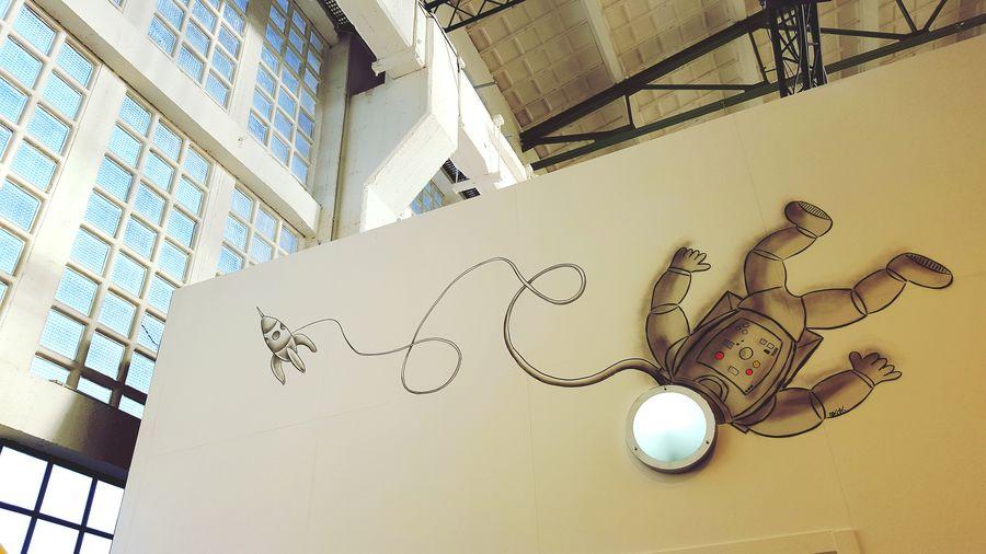 Soaring high at MagicCity streetart exhibition! Streetart Magiccity Magiccitylife
