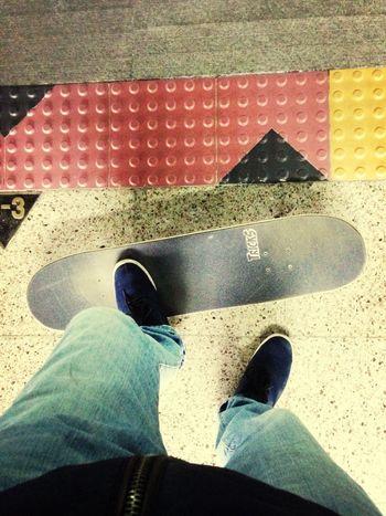 어잌후 허리야 Skateboarding