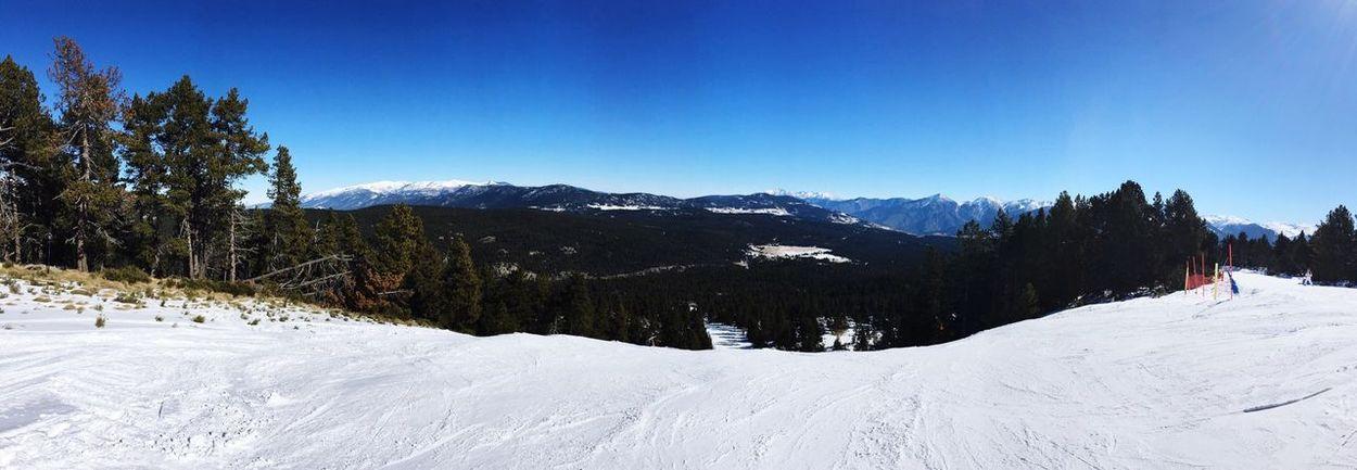 Nofilter#noedit Mountains Enjoying Life Relaxing Skiing Ski Pyrenees France Europe First Eyeem Photo Snow The Great Outdoors - 2016 EyeEm Awards Snowing Snowing ❄ Cold Freezing