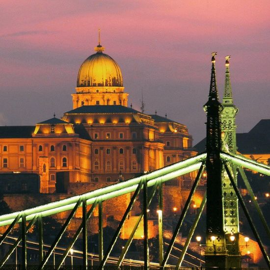 Try this again....closer....Budapest. Seeing The Sights