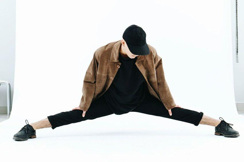 EyeEm Selects Dancer Maledancer Balletboy Moda Black One Man Only EyeEmNewHere Second Contemporary Dance Contemporary Dancer Ballet