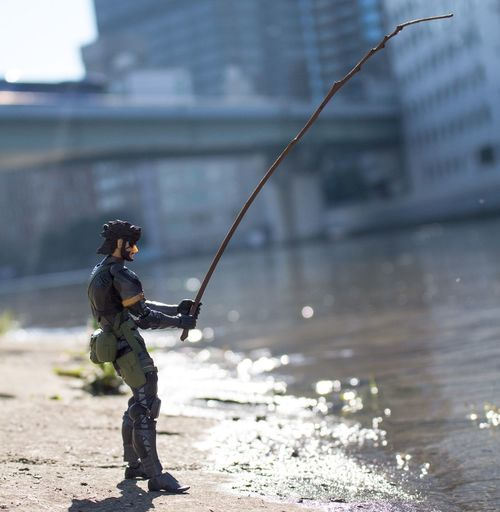 Riverside Fight No2 There is big rivers crossing Osaka City, as it is a port city. No need to go in the country to find good fishing spots. Our agent enjoys his enjoying his day... #toyphoto #toyunion #toyphotography #toyrevolution #toycommunity #toycrewbuddies #toyoutsiders #toyartistry #toys4life #toysphoto #toyslagram #toystagram #instatoys #toysphotography #revoltechfigures #yamaguchirevoltech #kaiyodorevoltech #figurephotograph