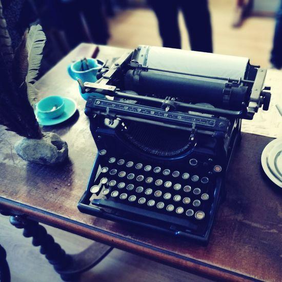 EyeEm Selects Oldtypewriter Typewriter Table Typing Mashine Old-fashioned Close-up