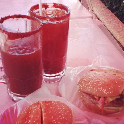 Chamochelas Megahamburguesas Yolo BBLB SIGUEMEYTESIGO LIKEFORLIKE Sunday con mi mejor amigo, Por algo pasan las cosas. :)