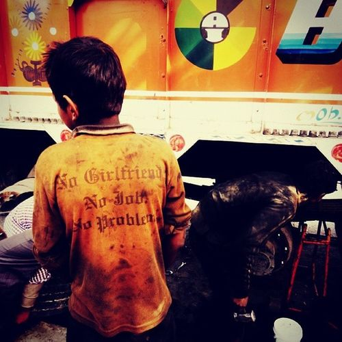 """Funny_Quotes Random tshirt Surprising Amazing , """"no girlfriend no job no tension"""" at a Mechanic shop Driving across the Nation on East_west_corridor NH_31C Bihar Adventure Ig_artistry Pro_ig Rainbow_wall Excited Happy Adventure Fun Roadtrips Travel True Child_labour Lonely_planet Landscape_captures Incredible India bagpack roads highway india"""