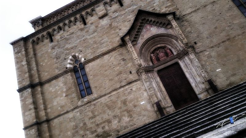 Looking Up! Cathedral Old Town Arezzo Italy🇮🇹 Z3 Xperia Storic Arezzox