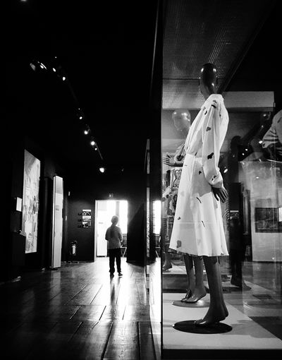 Where are you going? Bw_collection Blackandwhite Streetphotography Streetphoto_bw Light And Shadow Mood Mood Captures Moment Exhibition Exit Darkness And Light Display Dummies Dress Up Close Street Photography Telling Stories Differently Monochrome Photography Welcome To Black