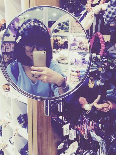 Hahaha Overwhelmed Shopping Meeting Friends First Eyeem Photo Cassie_shen Cute Girl Girl Happy BowKnot Hi!