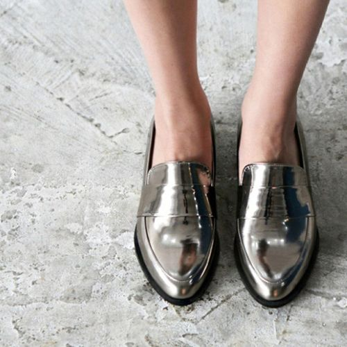 . . metallic Loaper - Flaans 메탈릭 로퍼 실버 브론즈 블랙 심플 세련 슈즈 데일리 패션 코디 데일리룩 데일리패션 신발 acc shoes daily dailylook fashion