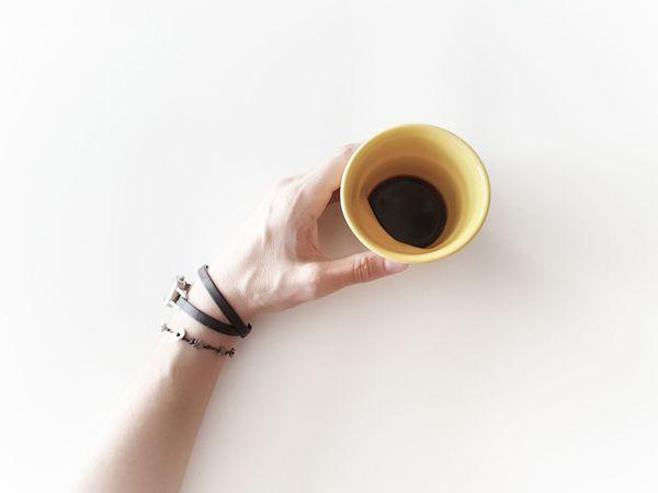 | Coffee break | EyeEmItaly EyeEm Selects Human Hand White Background Drink Studio Shot Coffee - Drink Business Coffee Cup Men Black Coffee Bracelet