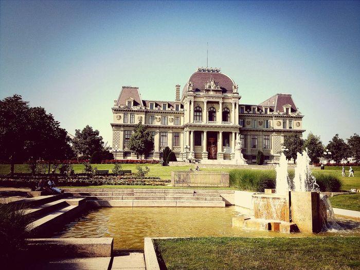 Fountain Architecture Sunny Day