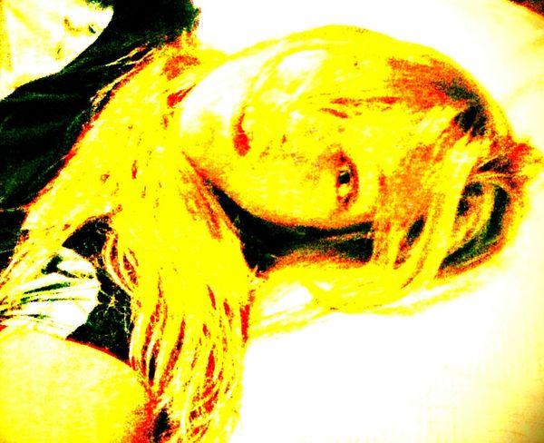 Me! 😀 Looking At Camera Relaxation Young Adult Perspective Eye Em Market Softness Perspective ... Vibrant Color Yellow StillLifePhotographer Studio Shot StillLife StillLifeArt Portraitart Photoart