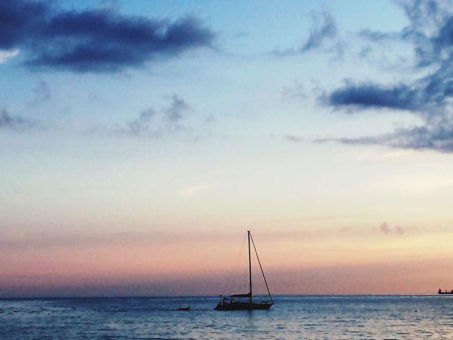 Sealovers Sunset And Clouds  Seascape Sea Life Love The Sea Sunsetlover Sea View Beautiful Sunset