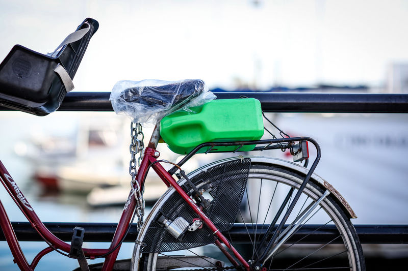Bicycle Bari Transportation Bicycle Mode Of Transportation Day No People Outdoors Stationary Plastic Bottle Green Color Saddle Wheel Chain