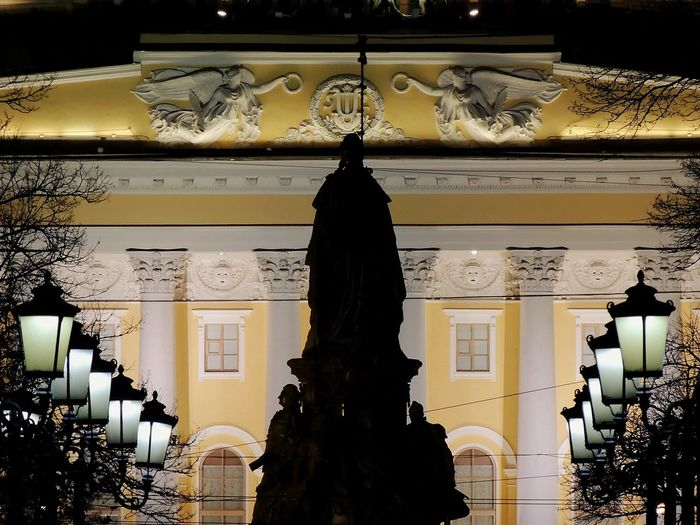 Theater Ekaterina II Monument Sculpture Russian Empress Sankt-peterburg Great Place A Symbolic Streetphotography Nightphotography