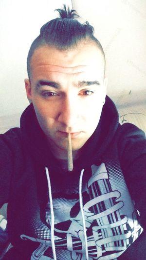 Smoke weed. Relaxing Ganja Love Génération H Life