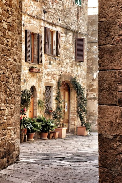 Ancient Palace Architecture Palace Palazzo Piccolomini Pienza Renaissance Architecture Taking Photos Tuscany Val D'orcia