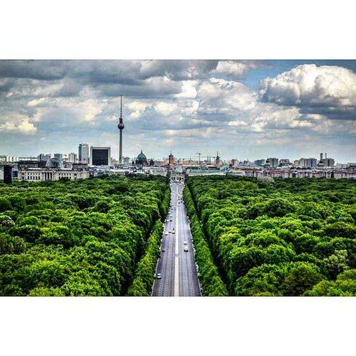 Siegessäule. Berliner Berlin Branderburgertor Momentogravado Parededevidro Pagevibe @berlinerpost @gotberlin