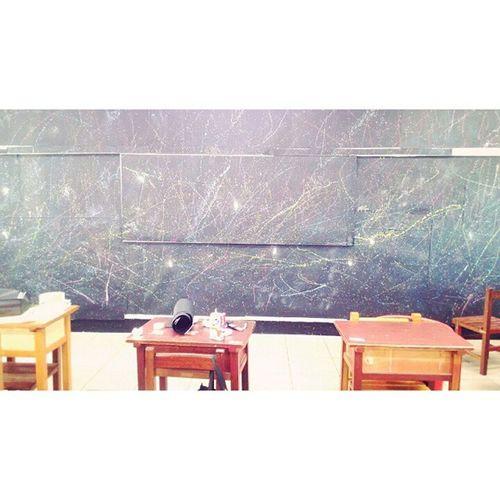 My classroom Classroom Stars Starr Table Desk 星空 教室 佈置 Drawing Paint Painting