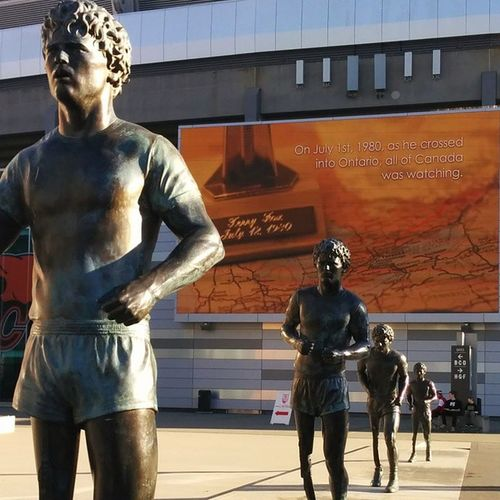 TerryFox BCPlaceArena Statue Monument cancer Vancouver newyearsday happynewyear