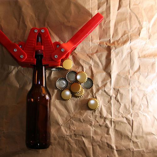 materia prima y accesorios para elaborar cerveza arteanal Accesories Basics Beer Beer Ingredients Beer Porn Caps Cerveza Artesanal Craft Beer Craft Board Craftbeer Crowns Hops Ingredients Malt Yeast