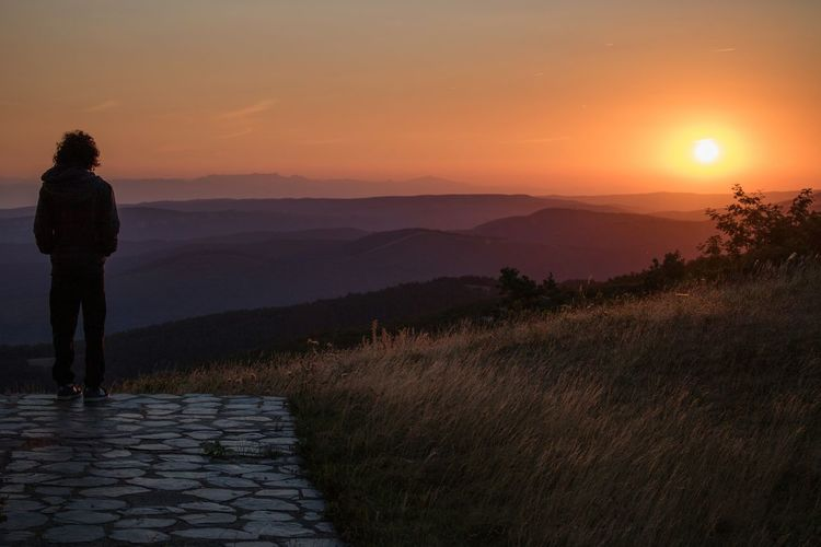 Nature Mountain Man Burgos España SPAIN Sunrise Amanecer Naturaleza Paisaje Filosofía Montañas❤ Castillayleon The Great Outdoors - 2017 EyeEm Awards Live For The Story
