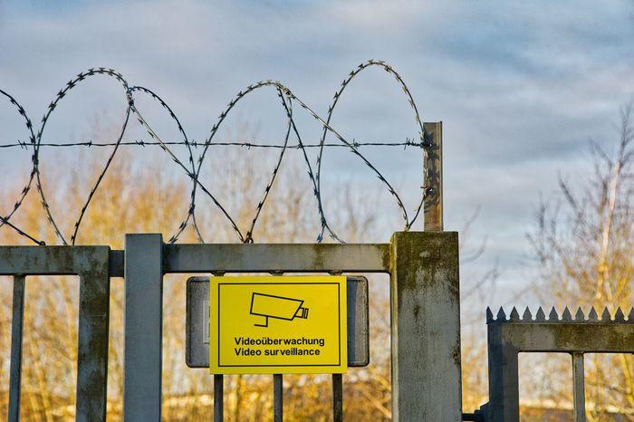 Sicherheit Absperrung Protection Safety Schutz Zaun