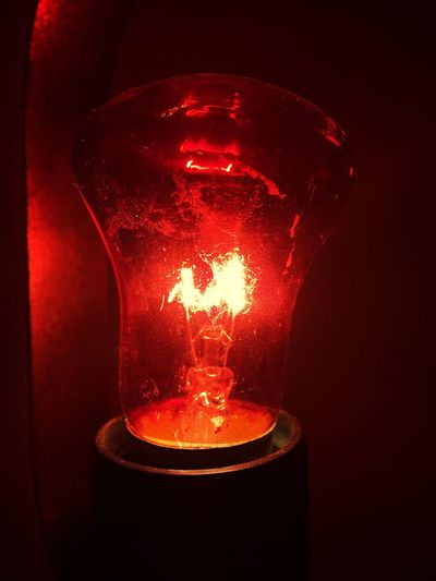 💡 Light Night Illuminated Light Bulb Electricity  Red Glowing