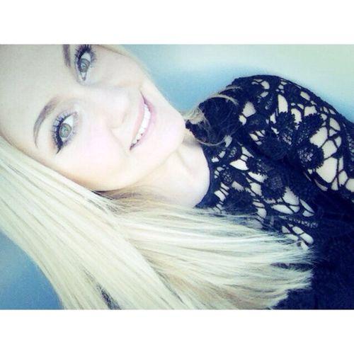 Model Today's Hot Look Beauty Selfie Portrait snap: carlita_8