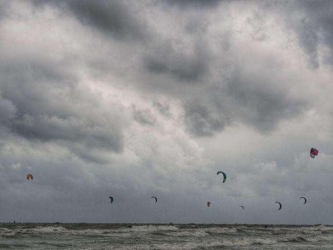 Hua Hin Clouds And Sky Thailand Thailand Photos Thailand🇹🇭 Sky And Clouds Kitesurfing Kitebeach Clouds And Sky Cloudy Sky Cloud - Sky Water Sea Flying Nature Scenics - Nature Horizon Horizon Over Water Day Adventure Beach