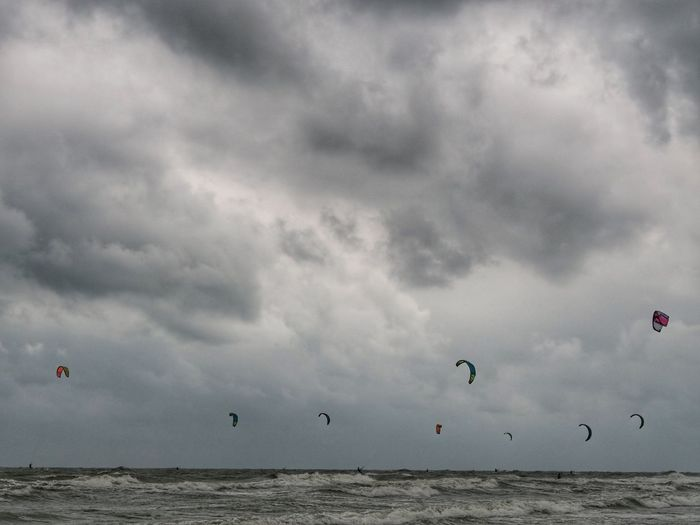 Hua Hin Clouds And Sky Thailand Thailand Photos Thailand🇹🇭 Sky And Clouds Kitesurfing Kitebeach Clouds And Sky Cloudy Sky Cloud - Sky Water Sea Flying Nature Scenics - Nature Horizon Horizon Over Water Day Adventure Beach