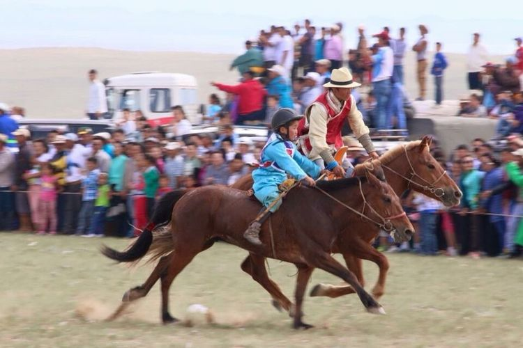 Photography In Motion horses racing action people riding Mode Of Transport